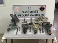 KAÇAK KAZI - Elazığ'da Defineciler, 35 Metre Yerin Altında Suçüstü Yakalandı