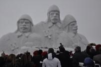 Sarıkamış'ta Kardan Şehit Askerler Heykeli