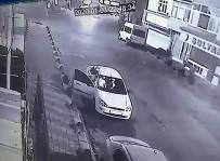 Sürücü, Araçta Bulunan Yaralıyı Yol Kenarına Bırakıp Kaçtı