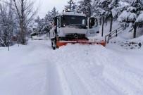 TAŞIMALI EĞİTİM - Gümüşhane Köy Yollarında Karla Mücadele Çalışmaları Devam Ediyor