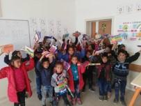 CEYLANPINAR - Kocaeli'den Urfalı Çocuklara Kırtasiye Yardımı