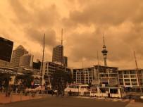 ORMAN YANGıNLARı - Yeni Zelanda'da Gökyüzü Turuncuya Döndü