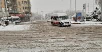 Afyonkarahisar'da Kar Kalınlığı 20 Santimetreyi Buldu