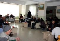 KARAOĞLAN - Ağrı İbrahim Çeçen Üniversitesi Öğrencilerinden Huzurevi Ziyareti