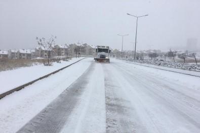 Çankaya'da Karla Mücadele Başladı