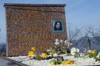 Ceren'in Sosyal Medya Paylaşımı Mezar Taşına İşlendi