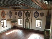 RESTORASYON - Demirci'de 7 Asırlık Caminin Restorasyonunda Sona Gelindi