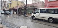 SONBAHAR - Gördes'e Yılın İlk Karı Düştü