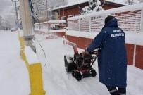 İnönü'de Karla Mücadele Çalışmaları Devam Ediyor