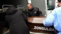 GENÇ KIZ - Kazada Ölen Üniversiteli Ayşe'nin Bavulları, Tabutunun Yanına Konuldu