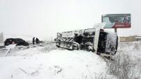 KÜMBET - Kütahya'da Otobüs Kazası Açıklaması 19 Yaralı