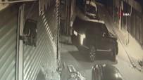 Lüks Cipin Sunroofundan Çıkıp Markete Kurşun Yağdırdı