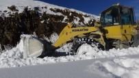 Muş'ta Kardan Kapanan Yollar Ulaşıma Açıldı
