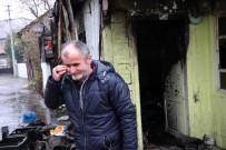 GEÇİM SIKINTISI - Yanan Evinin Önünde Çaresizce Bekleyen Yaşlı Adam Göz Yaşlarına Hakim Olamadı