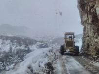 Alanya Ve Demre'de Kapanan Yollar Açılıyor