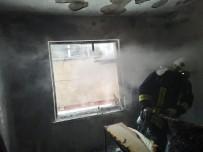 Evde Çıkan Yangından 1'İ Çocuk 3 Kişi Etkilendi