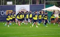 BELEK - Fenerbahçe'de Neşeli Antrenman