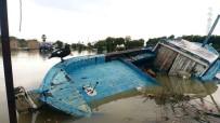 BELEK - Fırtına Balıkçı Barınağını Vurdu