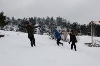 ÇEKIM - İzmirliler, Kar Sevinci Yaşadı