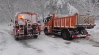 Kazdağları'nda Kar 1 Metreye Ulaştı, Ekipler Yolları Açık Tutmakta Zorlanıyor