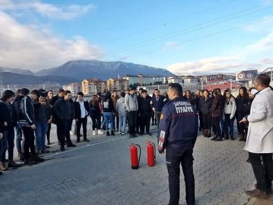 Öğrenciler Yangın Söndürmeyi Öğrendi