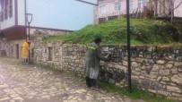 Ordu'da Tarihi Yapıların Üzerindeki Boyalar Siliniyor