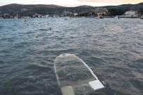 YAĞMUR SUYU - Foça'da Fırtına, Tekneleri Batırdı