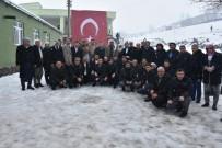 Karacadağ Zirvesinde Kar Altında Muhtarlarla Buluşma