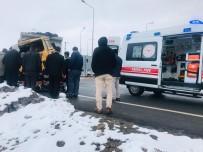 Konya'da Kamyonla Tır Çarpıştı Açıklaması 1 Yaralı