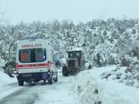 Köy Yolu Kapandı, Hastanın İmdadına İl Özel İdaresi Yetişti