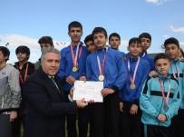 KUŞADASI BELEDİYESİ - Kuşadası 400 Genç Sporcuyu Ağırladı