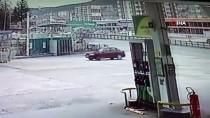 Aracının El Frenini Çekmeyi Unuttu, Peşinden Metrelerce Koştu