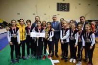 Balıkesir'de Başarılı Okul Sporcularına Ödülleri Törenle Verildi
