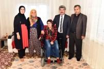 Engelli Genç Kız Akülü Tekerlekli Sandalyesine Kavuştu