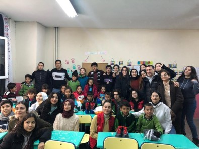 İstanbul'dan Sincik'e Kardeşlik Eli Uzandı