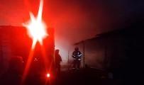 Odun Deposu Yangını Eve Sıçramadan Söndürüldü