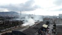 SANAYİ SİTESİ - Ümraniye'de Yangın Çıkan Ambalaj Deposu Havadan Görüntülendi