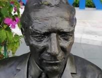 CHP'li Bodrum Belediyesi'nin 'bankta oturan Atatürk heykeli' tartışmalara neden oldu