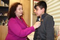 TEDAVİ SÜRECİ - 14 Yıldır Tanı Konulamayan Genci Bir Haftada İyileştirdiler