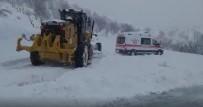 YAYLADÜZÜ - Hasta Almaya Giden Ambulanslar Yolda Mahsur Kaldı