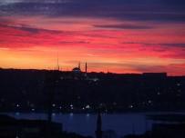 GÖKYÜZÜ - İstanbul'da Gün Batımı Kartpostallık Görüntü Oluşturdu