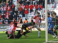HALIS ÖZKAHYA - Süper Lig Açıklaması Antalyaspor Açıklaması 0 - Konyaspor Açıklaması 0 (Maç Sonucu)