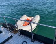 Marmara'da Denizinde Tekne Battı, İki Kişi Ölümden Döndü