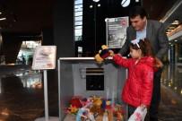 Osmangazi'den Depremzede Çocuklara Oyuncak