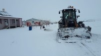 ÜLKER - VASKİ Ekibinden Kar Temizleme Çalışmalarına Tam Destek