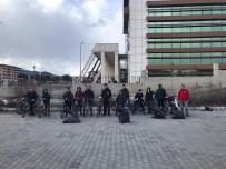 ÇEVRE TEMİZLİĞİ - Bisiklet Kulübü Üyelerinden Çevre Temizliği