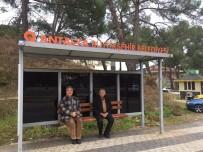 Manavgat'ta Eskiyen Duraklar Yenilendi