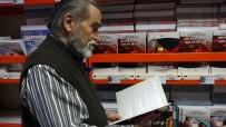 (Özel) 83 Yaşındaki Üniversite Öğrencisinin Okuma Azmi Hayran Bıraktı