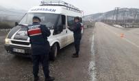 TRAFİK KURALLARI - Amasya'da Jandarmadan Sürücülere 'Emniyet Kemeri Ve Cep Telefonu' Denetimi