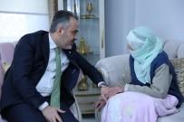 Bursa Büyükşehir Belediye Başkanı Alinur Aktaş, Asırlık Çınarın Hayır Duasını Aldı